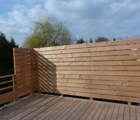 Construction en bois de palissage et d'habillage