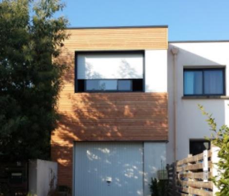 Extension de bois en surélévation pour gagner des mètres carrés sans perdre de terrain